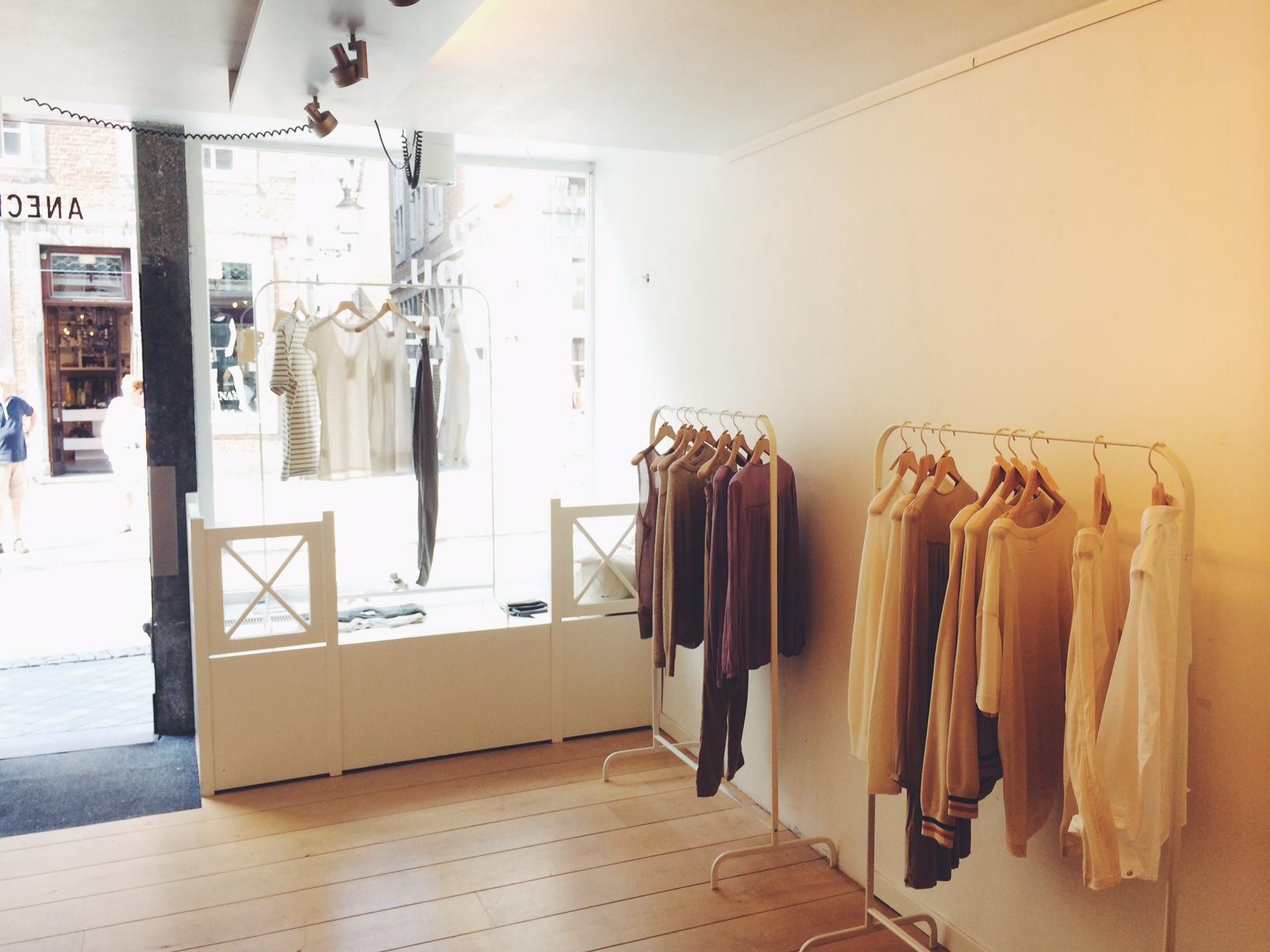 Anecdote kledingwinkel Amsterdam Maastricht